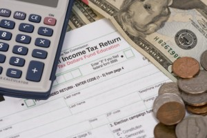 Fotolia_6261702_XS-tax-return-300x200